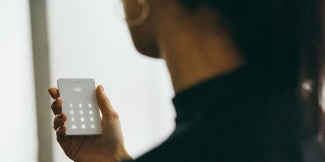 Dipendenza da smartphone? Ecco il cellulare che fa solo due cose