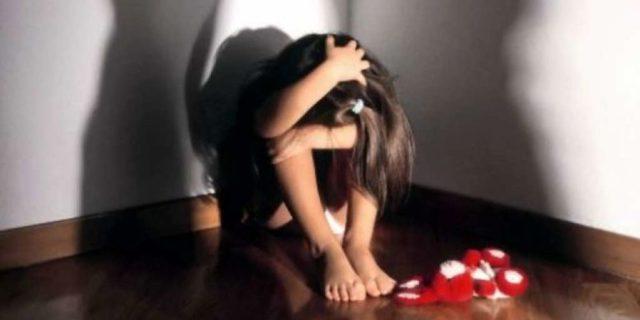 Violentata a 7 anni dal compagno della madre. Il processo dura 20 e l'accusa cade in prescrizione
