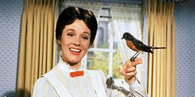 Emily Blunt nei panni di Mary Poppins: ecco le prime immagini dal set del sequel