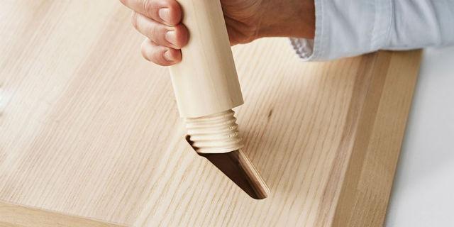 Rivoluzione IKEA: dite addio alle viti e alla mitica brugola. I mobili si montano così