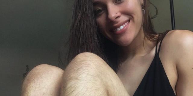 """La fitness blogger che ha deciso di non depilarsi: """"Voglio essere di ispirazione per le altre donne"""""""