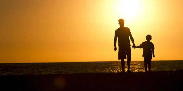 """""""Quando me ne sarò andato"""": questo padre ha lasciato a suo figlio un messaggio lungo tutta una vita"""