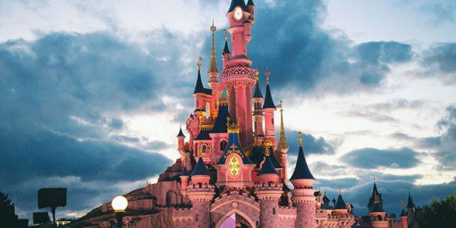 Disneyland Paris è alla ricerca di... cattivi. Se lo sei, manda il tuo cv