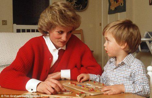 """Il principe William parla di Lady D: """"Vorrei avesse conosciuto Kate e i nostri bambini"""""""