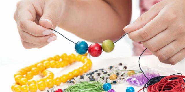 Bigiotteria fai da te: hai mai provato a realizzare i tuoi gioielli?