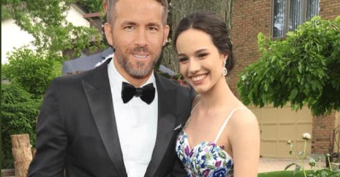 Il fidanzato la lascia, lei si consola con Ryan Reynolds che le risponde davvero