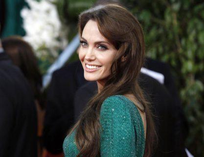 """Angelina Jolie e il divorzio: """"Bisogna piangere sotto la doccia, non davanti ai figli"""""""