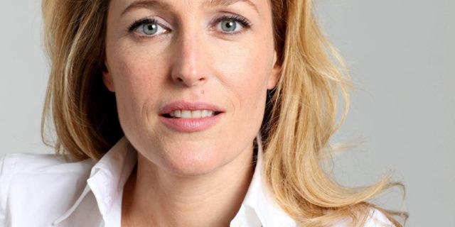 """Gillian Anderson, la ribelle: """"Ho amato donne, punk tossici... Oggi amo la libertà"""""""