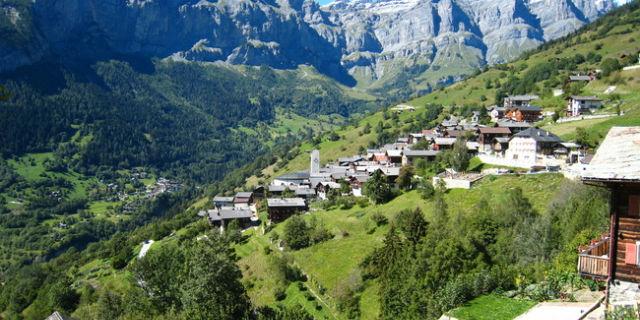Pagati 60mila euro per vivere in un paesino sperduto delle Alpi