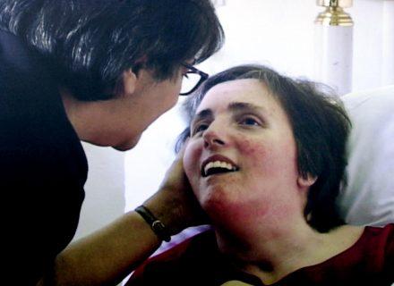 """Quelle parole sulla lapide di Terri Schiavo: """"Moglie amata... Ho mantenuto la promessa"""""""