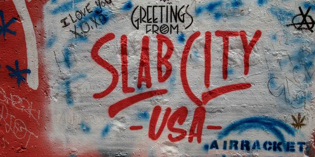 """Come si vive a Slab City, l'""""ultimo posto libero della terra"""" senza leggi e tecnologia"""