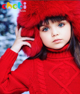 Non rubate l'infanzia ad Anna Knyazeva, la nuova bambina più bella del mondo