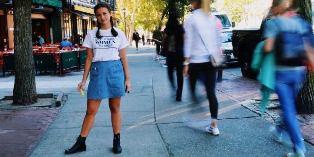 """Catcalling: la raccolta di quei """"complimenti"""" per strada che una ragazza è costretta a subire"""