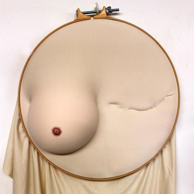 Il vero corpo delle donne in 13 opere di Sally Hewett