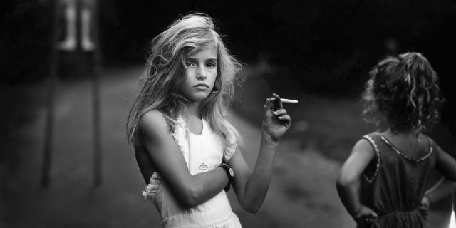 Il mondo segreto dei bambini nelle controverse foto di Sally Mann