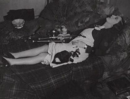 """Quando l'oppio si fumava per """"piacere"""": la dipendenza dalla droga nell'800 in 21 scatti"""