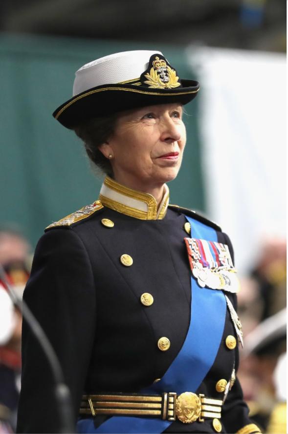 """L'""""altra principessa"""": chi è Anna, la secondogenita della regina Elisabetta"""