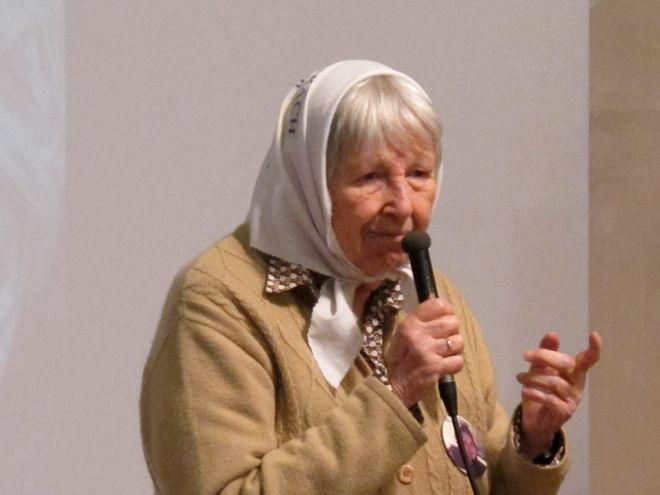 """Vera: """"Mio nonno morì ad Auschwitz, mia figlia su un volo della morte in Argentina"""""""