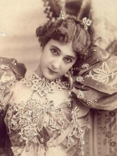 La Bella Otero, chi fu la signora delle perle per cui gli uomini si uccisero