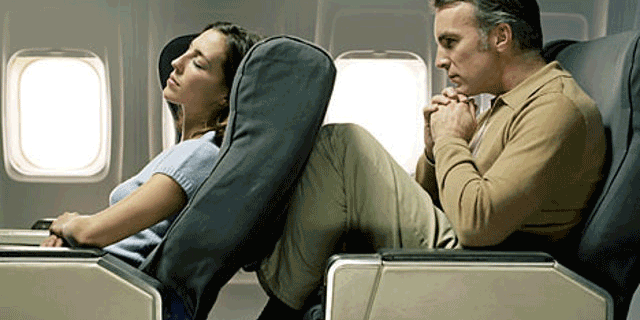 Viaggi in aereo: 10 tipi di passeggeri e vicini di posto che tutti abbiamo incontrato