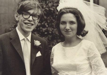 """Perché Jane Wilde non fu """"solo"""" la moglie di Stephen Hawking e a lei dobbiamo tutto"""