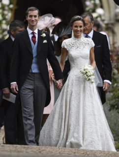 10 abiti da sposa delle principesse (per uno servirono 600 ore di lavoro)