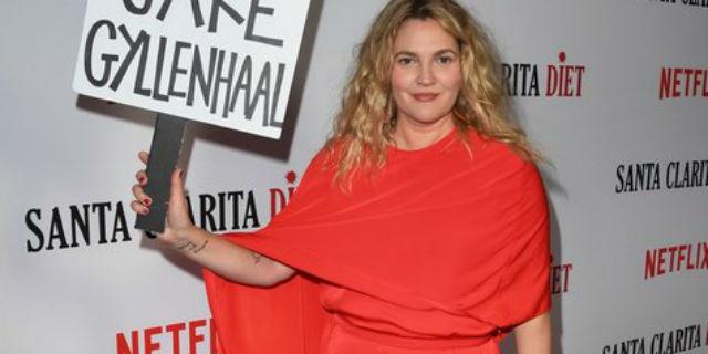 """""""Non sono incinta, sono grassa"""": ode a Drew Barrymore e alle donne che se ne fregano"""