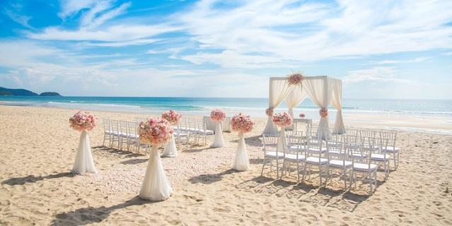 Matrimonio in spiaggia: i consigli per organizzarlo