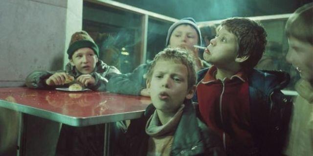 La drammatica realtà dei bambini e degli adolescenti russi negli anni Novanta