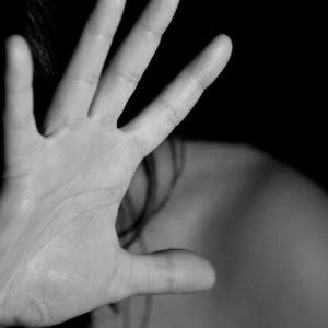 Violenza sulle donne, come si manifesta e come si combatte