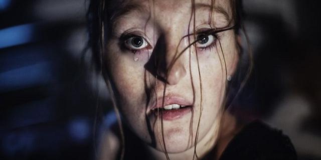 Storia di Ilka, la bellezza della modella con una malformazione facciale