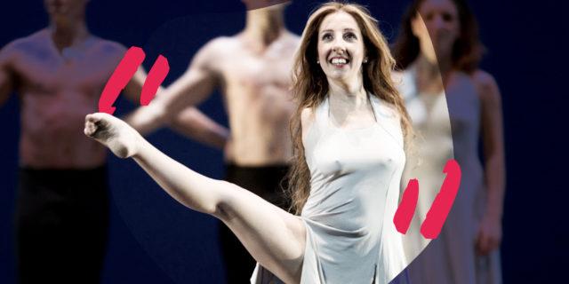 """Simona Atzori: """"Si può essere felici, danzare e dipingere senza le braccia"""""""