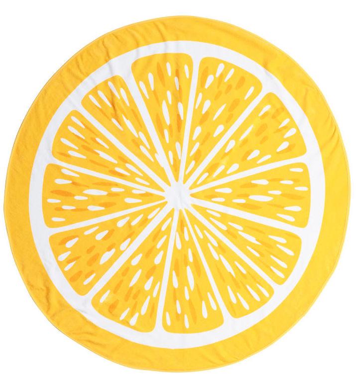 207f832539 Un simpaticissimo telo mare rotondo per distinguersi anche in spiaggia.  Questo ricorda un limone, ma c'è anche rosso come l'anguria.