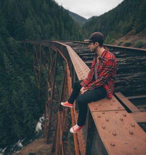 Le fantastiche vite spezzate di tre travel youtuber uccisi dalla cascata