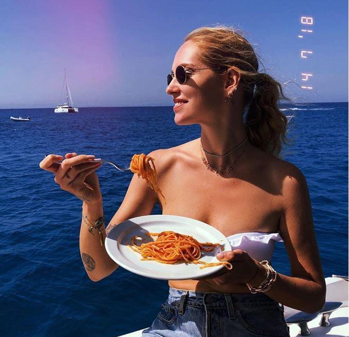 L'addio al nubilato di Chiara Ferragni, che non è più bionda ma... Pink