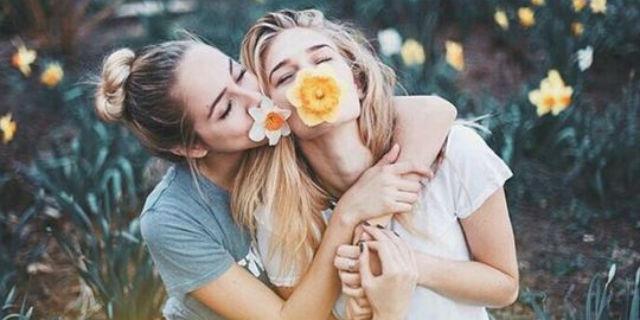 20 idee per scattare foto fantastiche con le tue migliori amiche