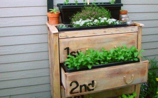 Fioriere fai da te 5 idee creative per balconi e terrazzi for Fioriera legno fai da te