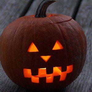 Halloween, la festa delle lanterne nelle zucche