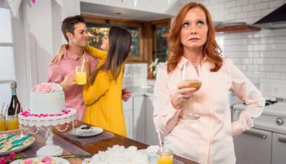 8 cose da sapere prima di uscire con un ragazzo troppo legato a sua madre