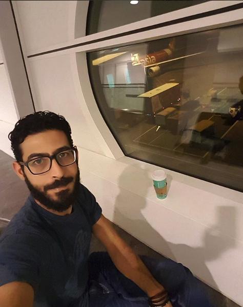 Come in The terminal, la storia di Hassan, costretto a vivere in aeroporto