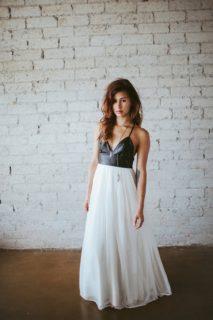 Abiti da sposa e (eco)pelle: 9 idee per nozze rock