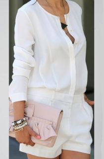 Come indossare una camicia bianca: 15 outfit