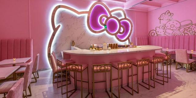 Arriva il bar a tema Hello Kitty da visitare almeno una volta nella vita