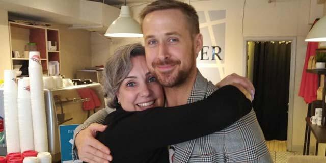 La strategia per fare venire Ryan Gosling nel tuo caffè preferito