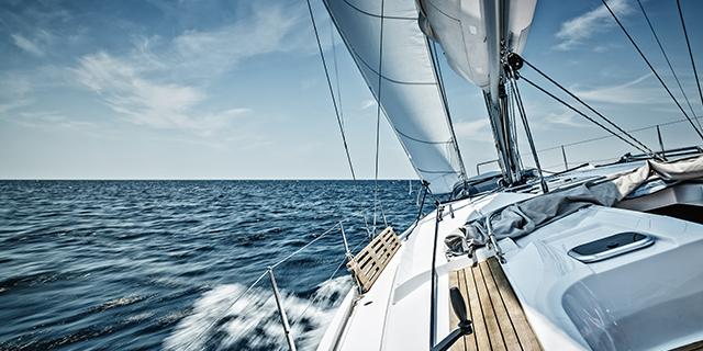 Mollare tutto e girare il mondo in barca... a 70 anni. La storia di Massimo e Paola