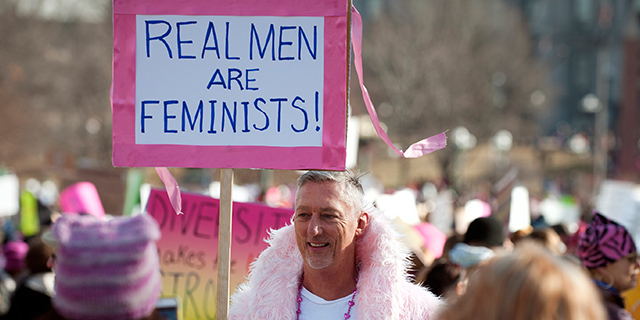 Come essere un uomo (e non un predatore): il femminismo buono visto da un uomo