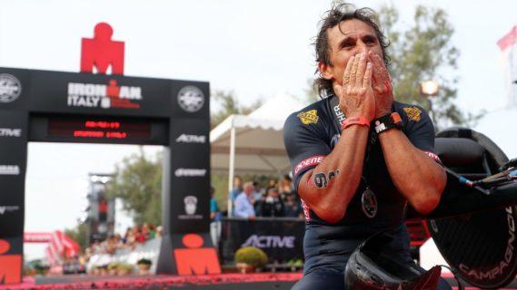 Come sta Alex Zanardi: quello che sappiamo delle condizioni del campione