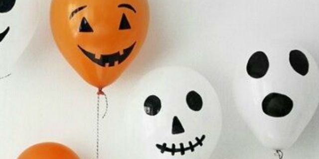 Palloncini come decorazioni di halloween