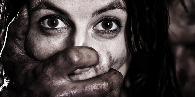 Identikit: chi sono gli uomini che violentano le italiane