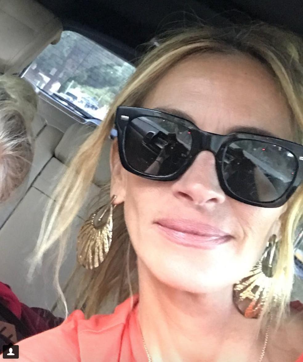 """""""Mi hanno ferita"""": Julia Roberts e quei commenti alla sua foto senza trucco"""